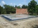 Rušenje in priprava temeljev za montažno hiši
